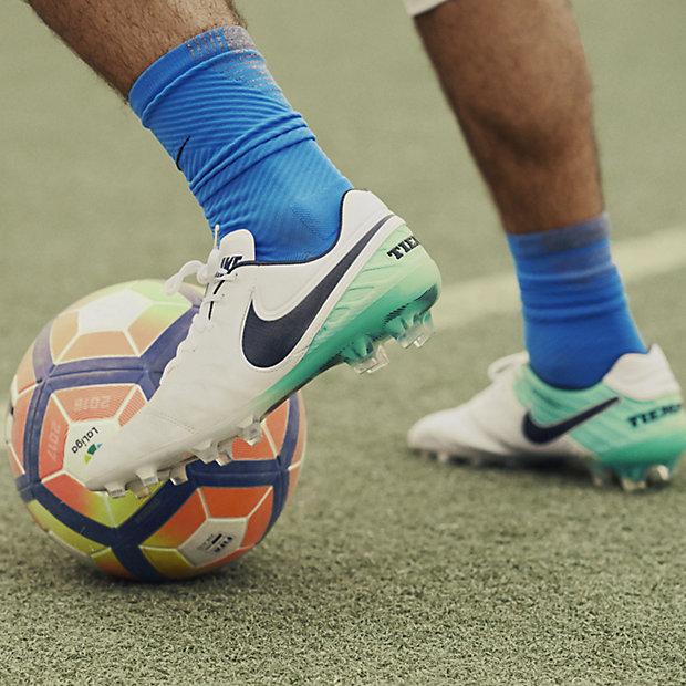 Scarpa da calcio per terreni duri Nike Tiempo Legend VI