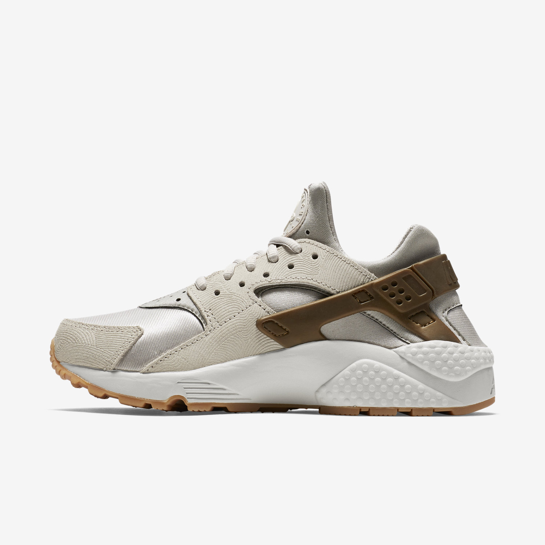 Nike Huarache Suede