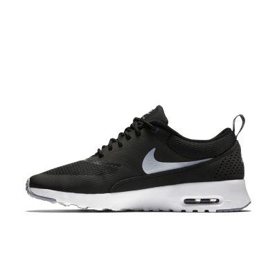 Nike Thea Olijfgroen