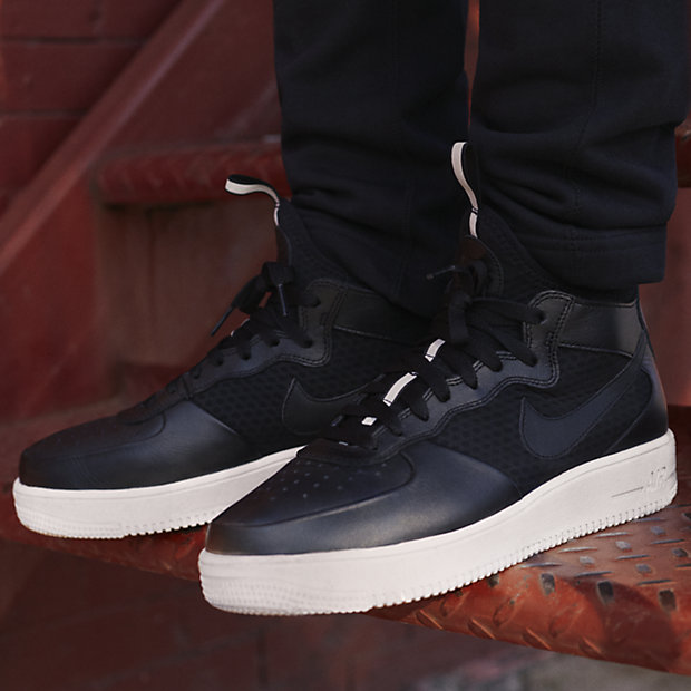 Nike Men's Air Force 1 Ultraforc...
