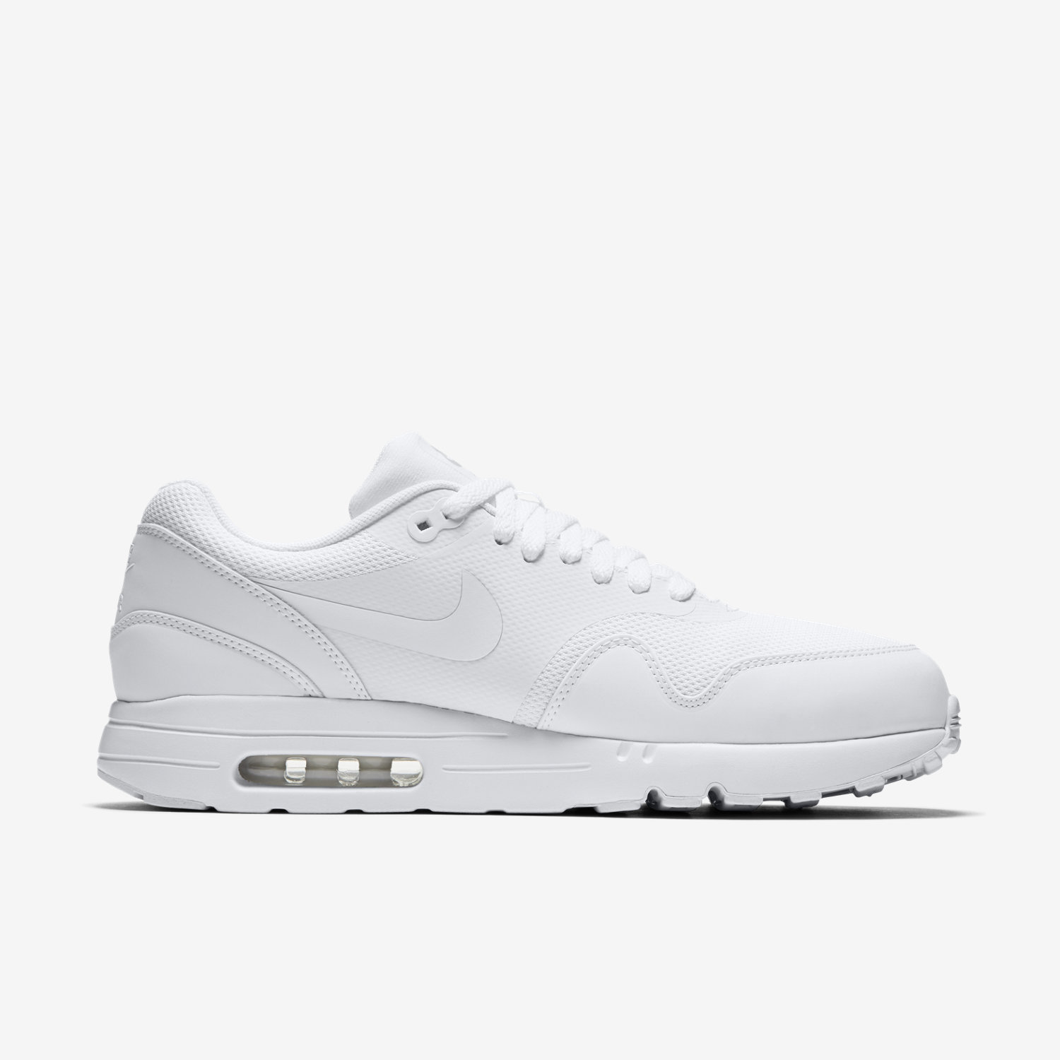 shades of 2018 sneakers for whole family Nike Air Max 1 Ultra Essential Triple White leoncamier.co.uk