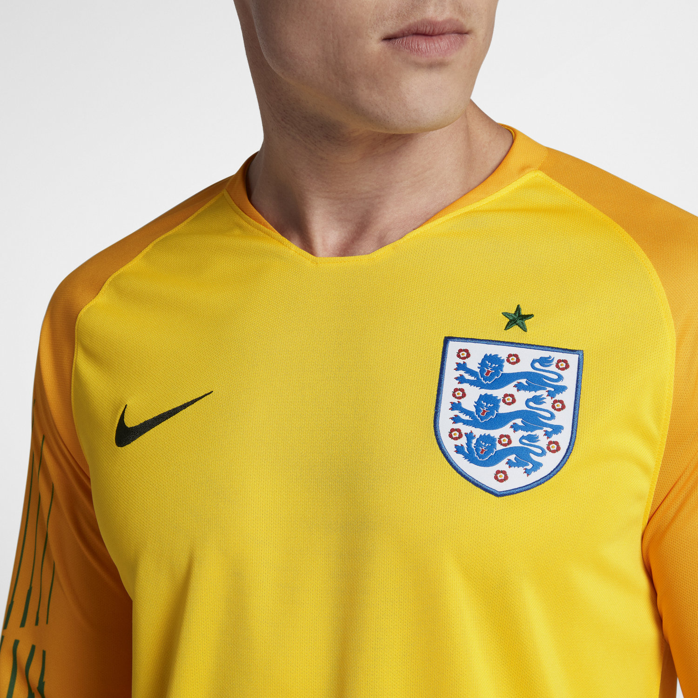 2018 England Stadium Goalkeeper Men s Football Shirt. Nike.com UK f0b8945806